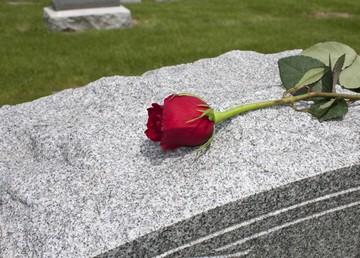 в связи со смертью