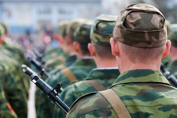 Оформление отпуска военнослужащему по контракту: сроки, порядок предоставления и оплаты проезда
