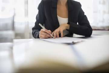 Запрещается отказывать в заключении трудового договора работникам