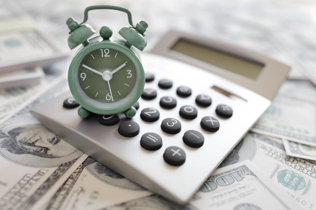 Сроки выплаты аванса и заработной платы по Трудовому кодексу