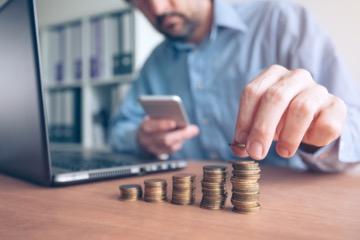 Расчет зарплаты по часовой тарифной ставке Иногда на практике возникает необходимость.Удобный и быстрый онлайн калькулятор расчета зарплаты при окладе + .
